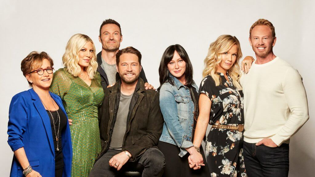 Shannen Doherty with 6 other cast members of 90210