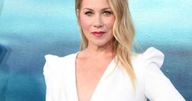 After Diagnosis Then What >> After Breast Cancer Christina Applegate Gave Birth To A
