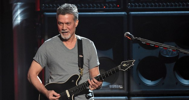 Eddie Van Halen Is Not Doing Well David Lee Roth Drops A Cryptic Health Update About The Legendary Guitarist S Throat Cancer Survivornet