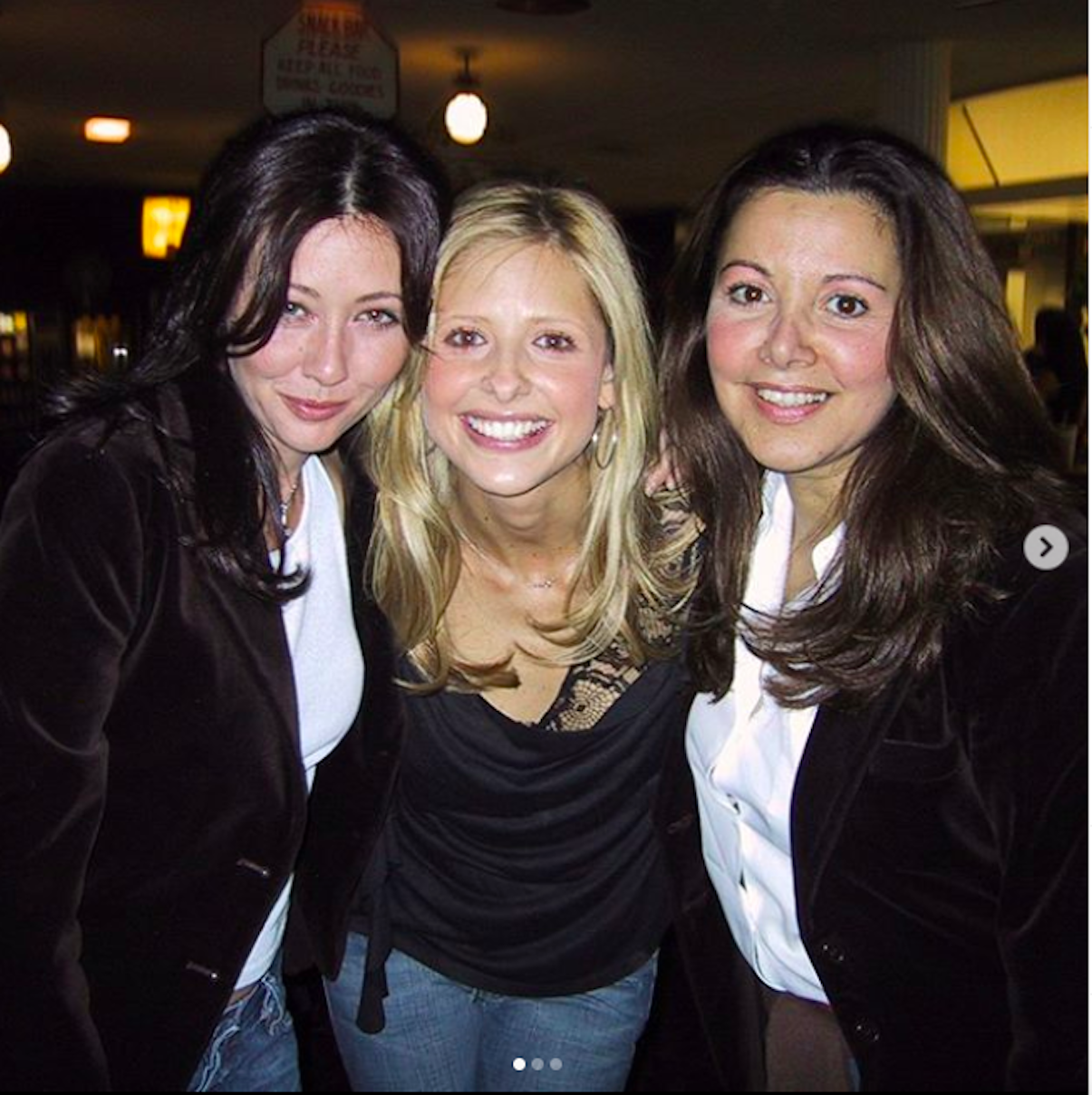 Shannen Doherty pictured with Sarah Michell and Gellar Deborah