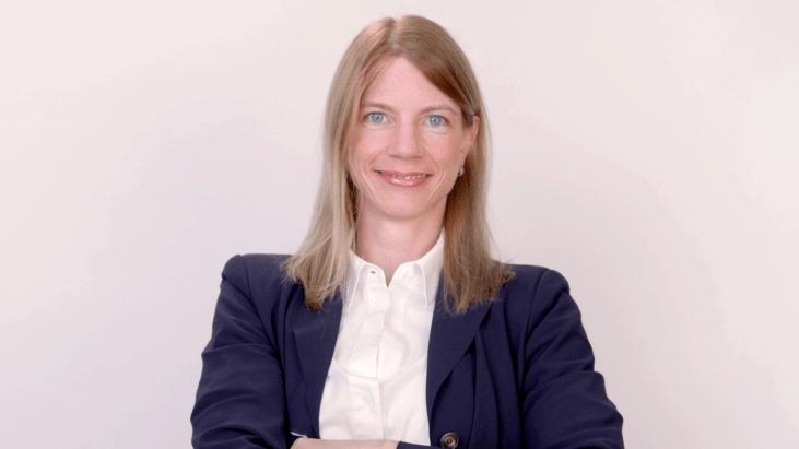 Dr. Stefanie Avril